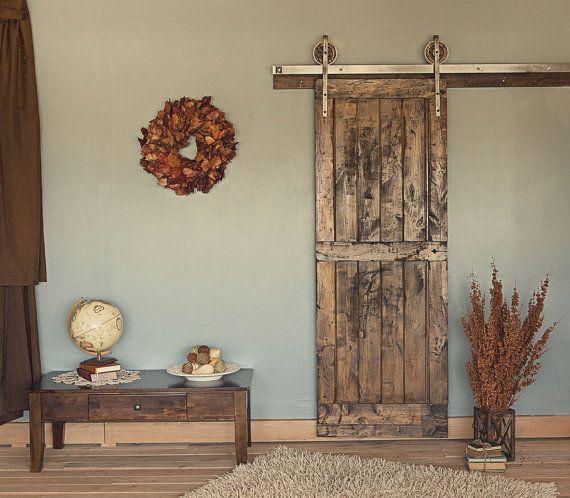 Ft Rustic Vintage European Sliding Steel Barn Wood Door Closet - Porte placard coulissante jumelé avec porte paliere blindee
