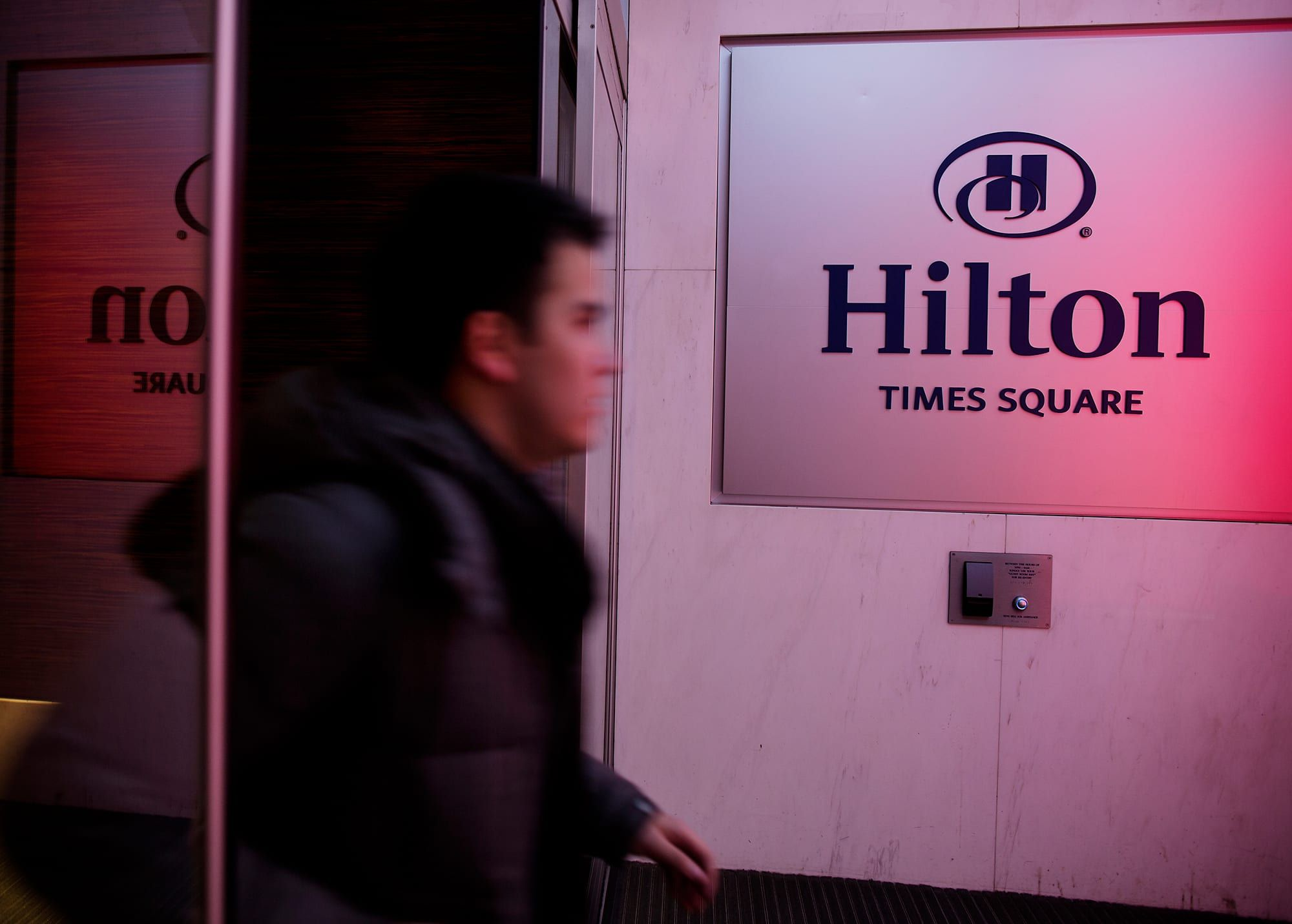 Closure Of Hilton Times Square May Be Tip Of The Iceberg Of Troubles Facing New York Hotels In 2020 Hilton Times Square New York Hotels Times Square