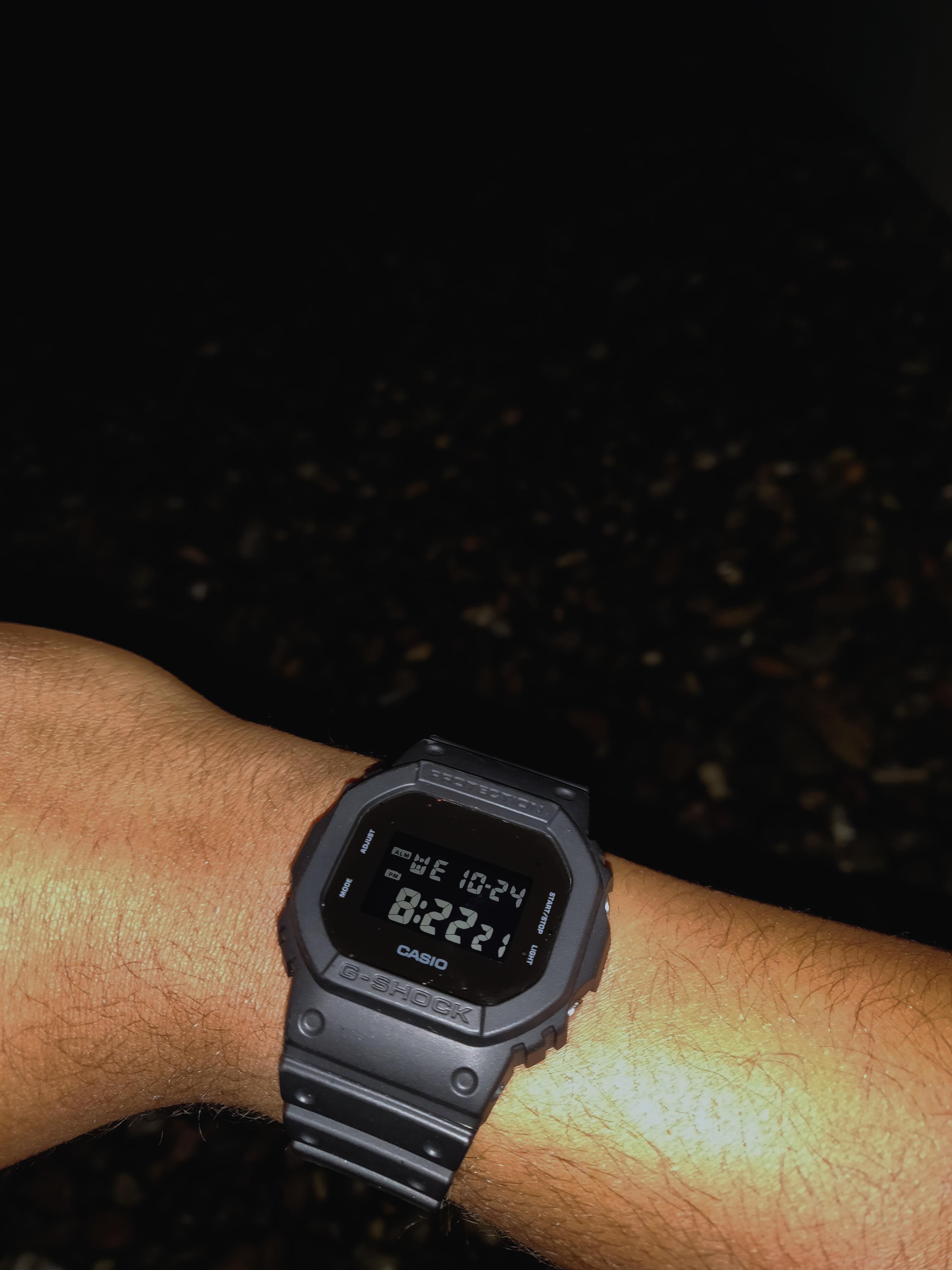89a0f8b33f1 Casio  Stealthy G-Shock in the dark