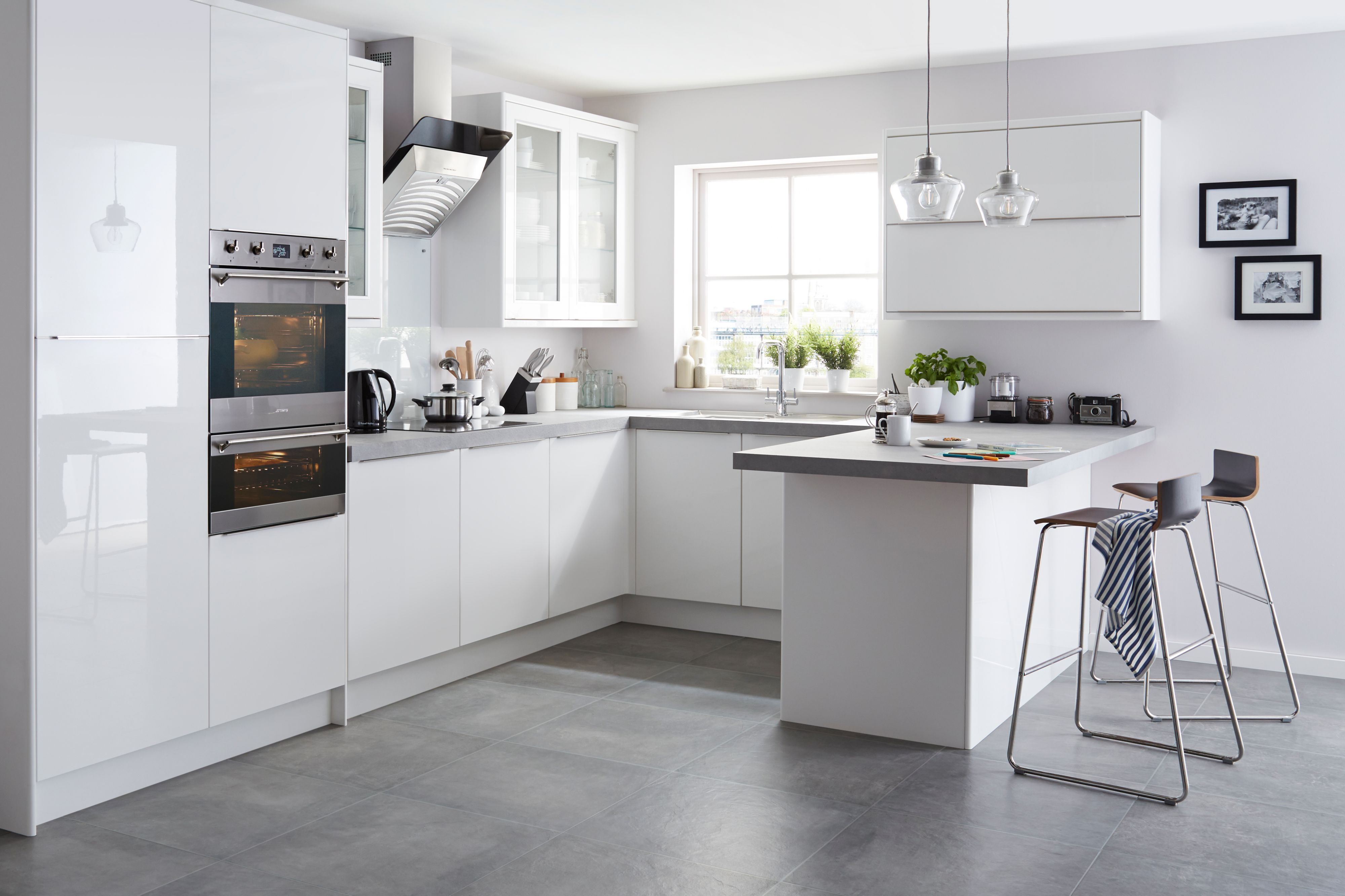 Santini Gloss White Slab | Kitchen | Pinterest | White gloss kitchen ...