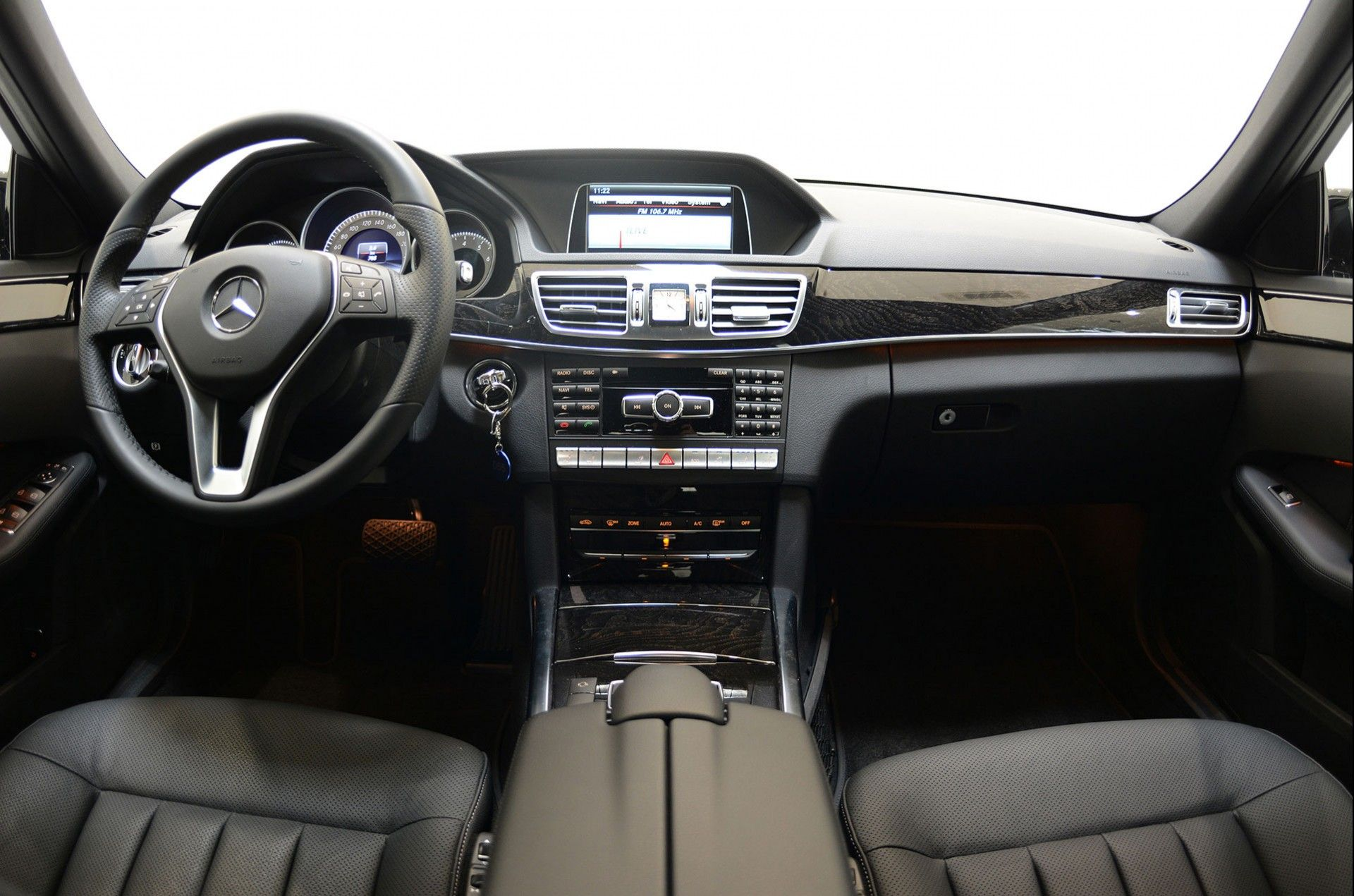 Image for D4 2 Mercedes Benz E250 CDI interior