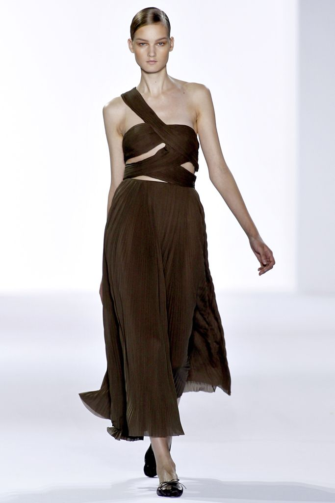 Chloé Spring 2011 Ready-to-Wear - Collection - Gallery - Style.com