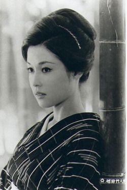mycolorfulseoul:  (via (2) Lovely   J'adore Kimono   Pinterest)
