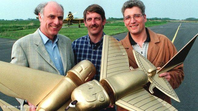 5 achados históricos que ainda não foram decifrados   -  Em 1996 , aeromodelistas alemães  criaram réplicas em tamanho ampliado e as fizeram voar com motores e controle remoto