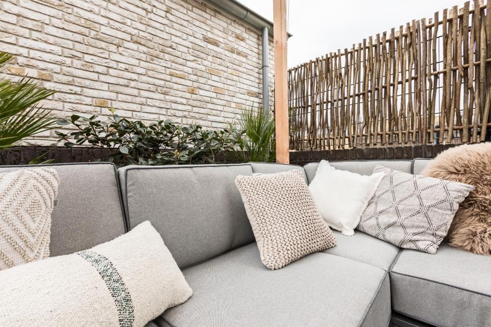 Loungebank grijs tuin ideeën