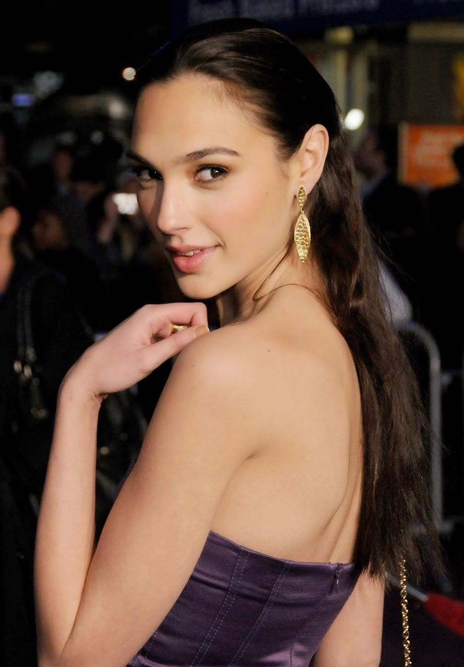 beautiful hairstyles from gal gadot copy her style gal gadot