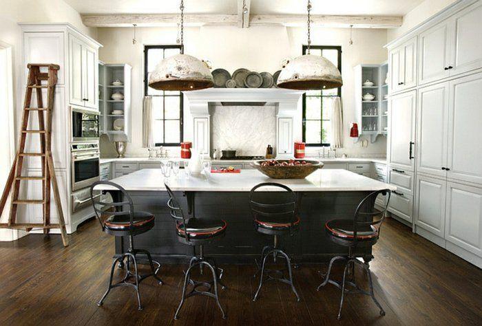 Diseño de cocina industrial con elementos desgastados