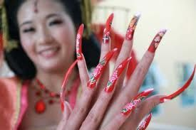 Lovely Chinese claw nails.