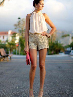 894dcf4696 marilynscloset Outfit Primavera 2013. Combinar Shorts Dorados ...