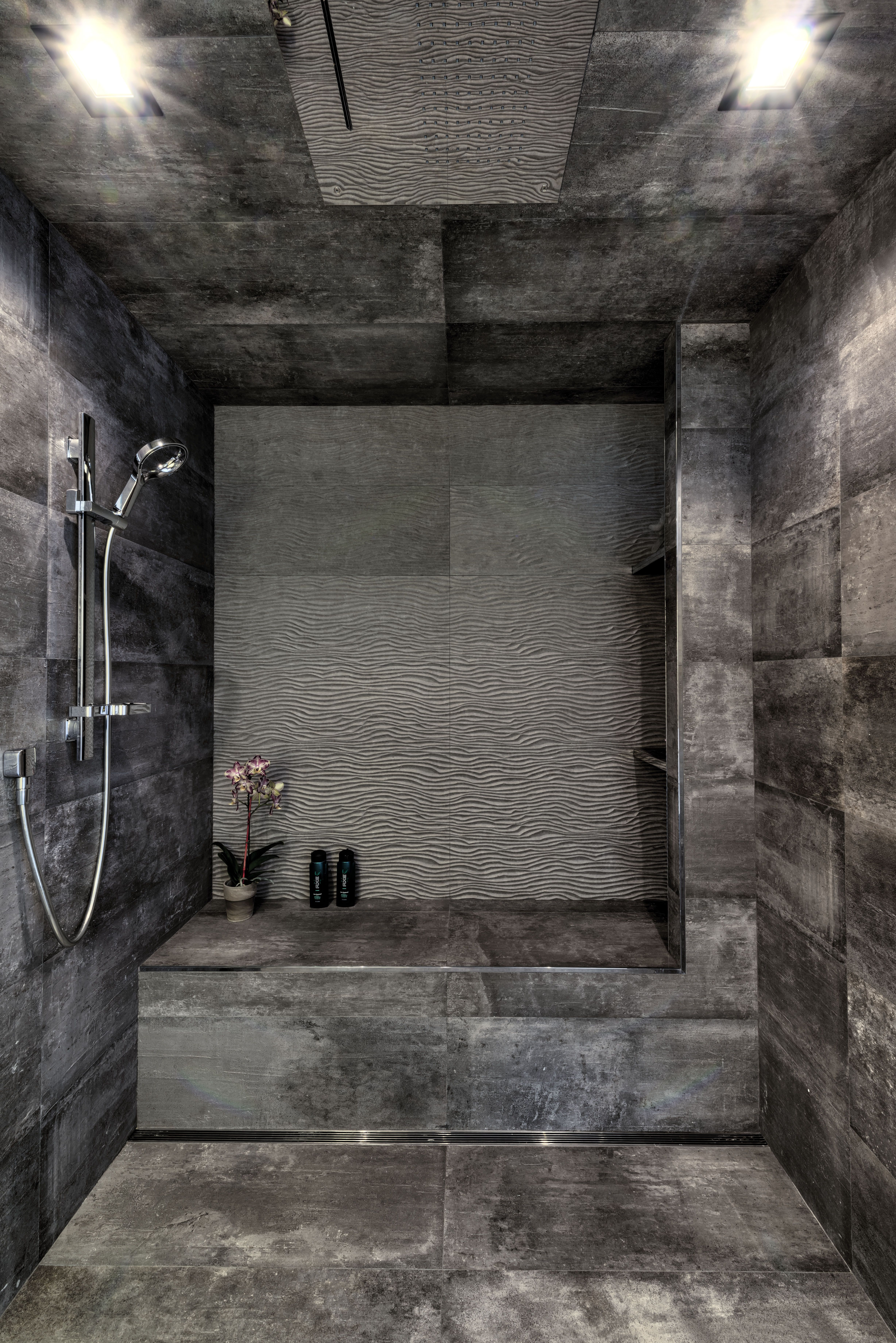 Master Bath With A Bench And Even A Steam Shower Use Of Dark Tiles Similar Ones Used On The Floor Walls And Ceiling T Home Look Architect Design Shower Tile