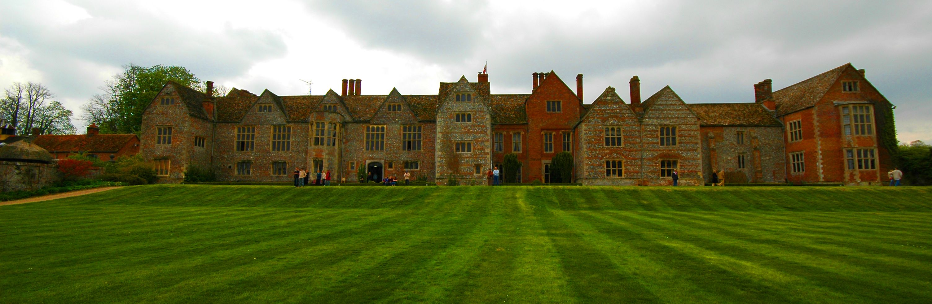 Littlecote House Is A Large Elizabethan Country House And Estate In The Civil Parishes Of Ramsbury And Chilton Foliat In Stately Home Beyond The Horizon Castle