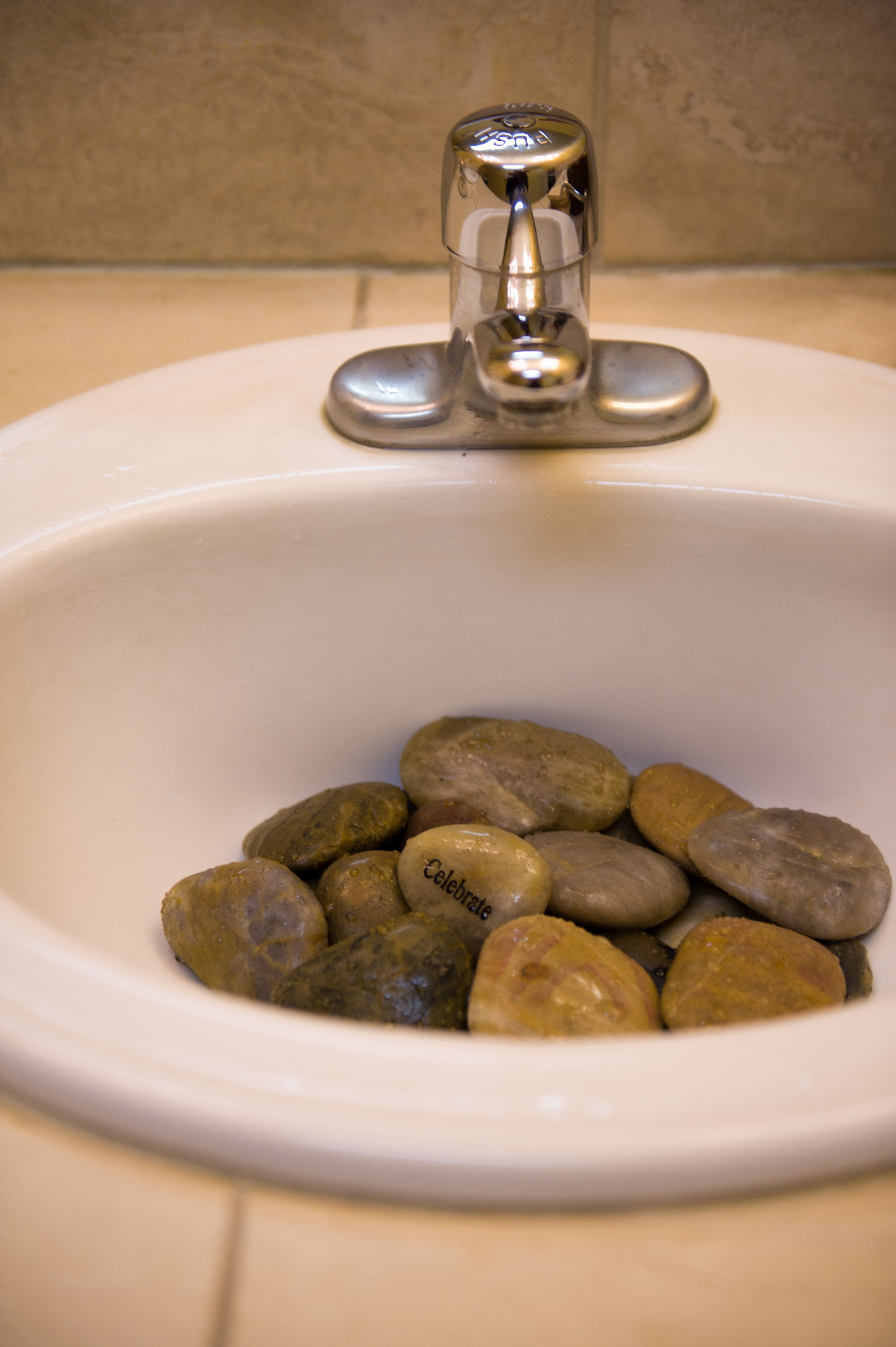 River Rock In Guest Bathroom To Minimize Splash Cute Addition