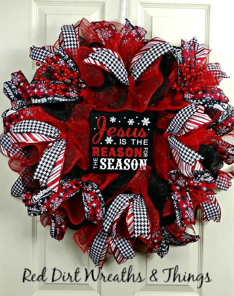 Learn How To Make Your Own Custom Wreaths Wreath Making Diy Wreaths Wreath De Christmas Wreaths To Make Deco Mesh Christmas Wreaths Christmas Wreaths Diy