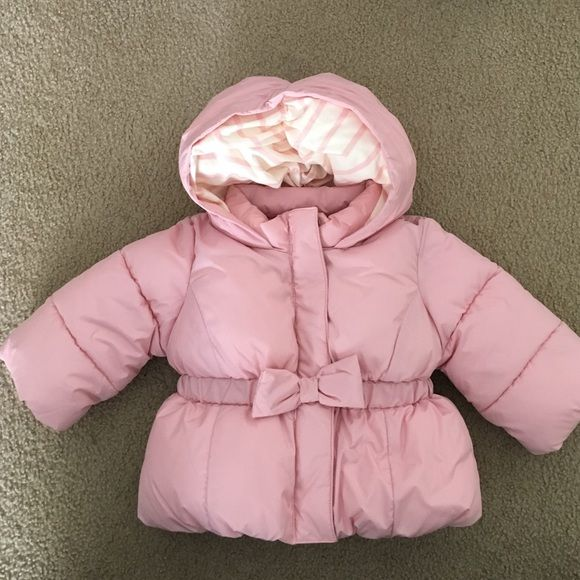 NWOT baby gap winter coat No stains, rips, pulls or tears! Smoke and pet free home. Never worn, tried on and just realized it's too small. Size 6-12 months GAP Jackets & Coats