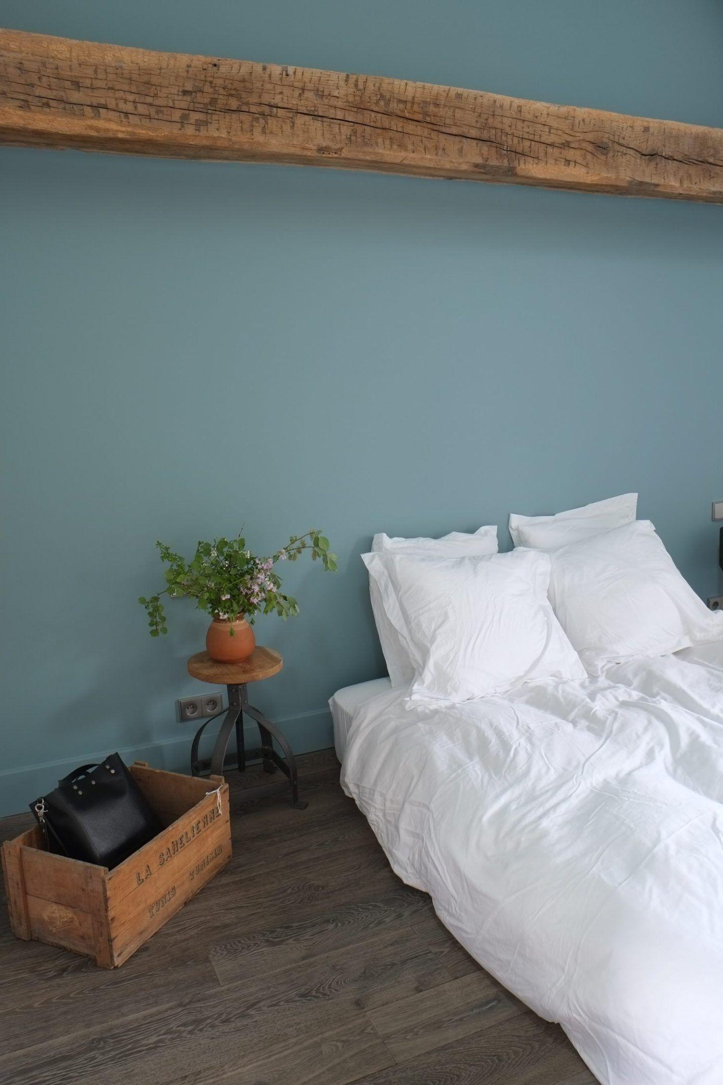 R novation d 39 une maison de campagne par des architectes peinture deco chambre peinture - Renovation maison de campagne ...