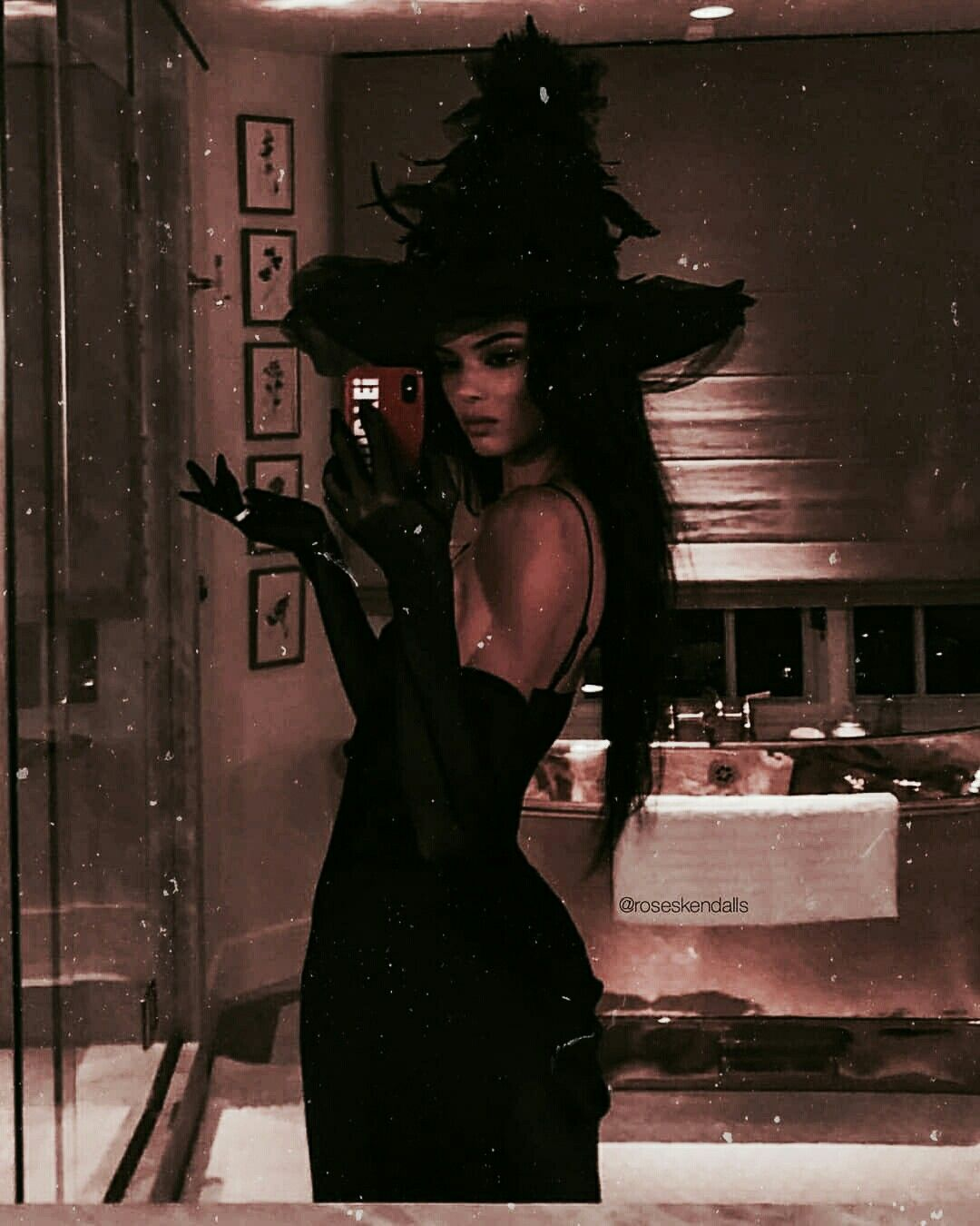 Kendell Jenner As A Witch Fame In 2019 Halloween Outfits