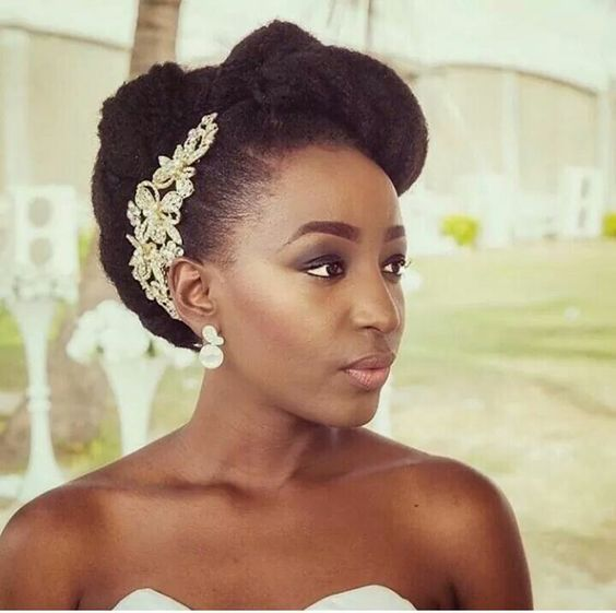 Wedding Hairstyle For Black Women Love Story Gorgeous Bride With Lovely Wedding Dress Natural Wedding Hairstyles Afro Wedding Hairstyles Natural Hair Wedding
