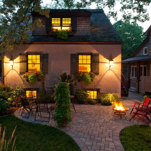Lovely 20 Cottage Style Landscaping Ideas To Enhance Your: Minneapolis Brick Patio (by John Kraemer & Sons)