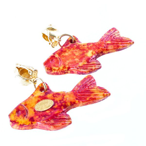 Pre-owned Earrings in the shape of a fish (€198) ❤ liked on Polyvore featuring jewelry, earrings, shell earrings, sea shell jewelry, summer earrings, pre owned jewelry and fish earrings