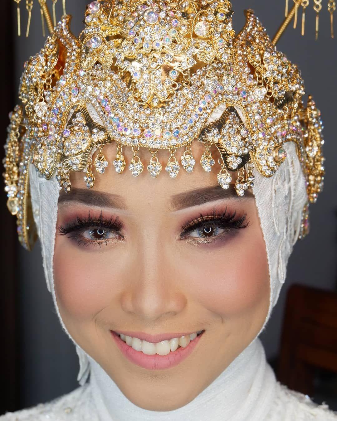 Pin By Ruth Monica On Sunda Wedding Graduation Makeup Fresh Makeup Party Makeup
