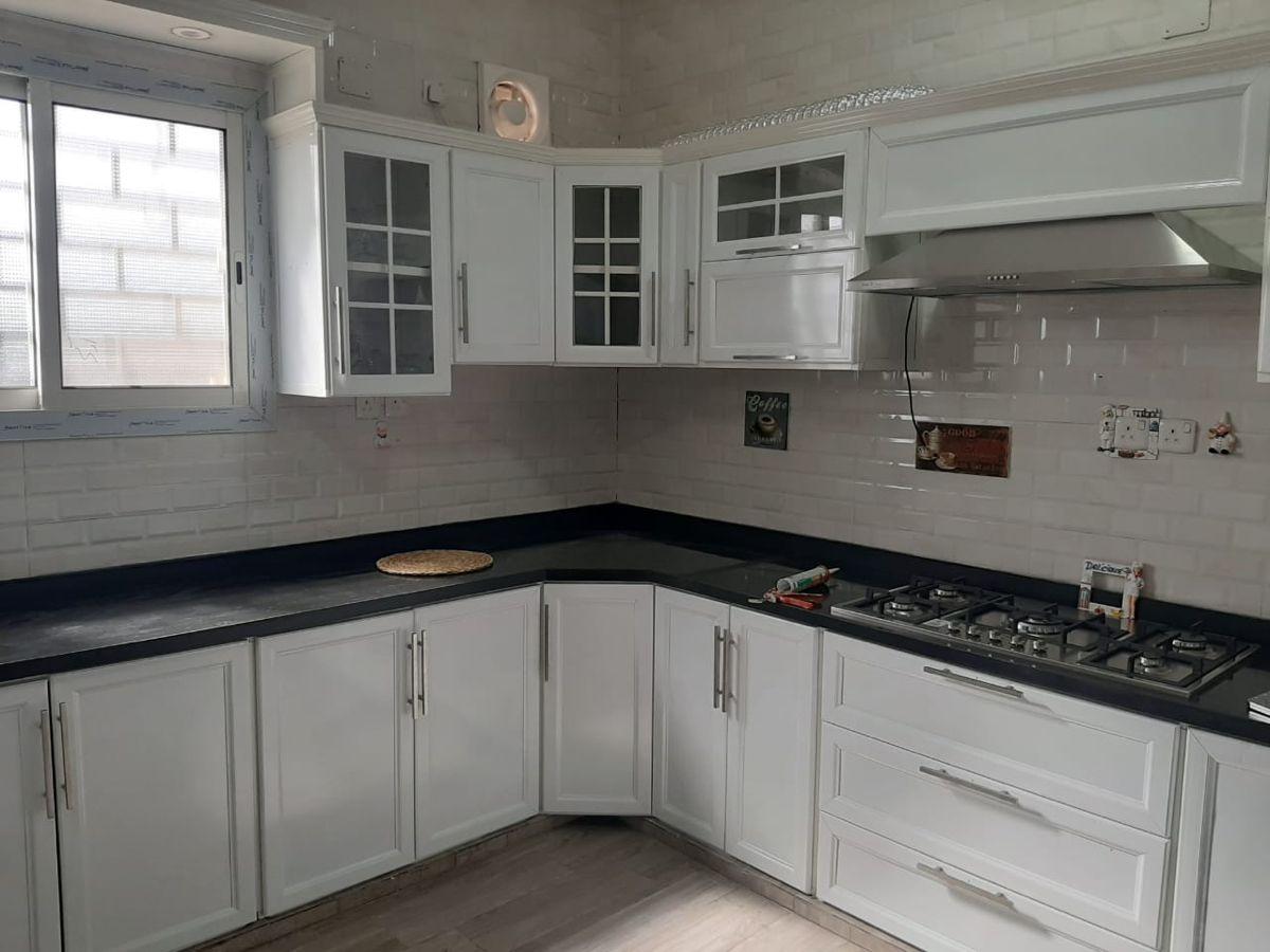 كل ما يخدمك في المطبخ Kitchen Home Kitchen Cabinets