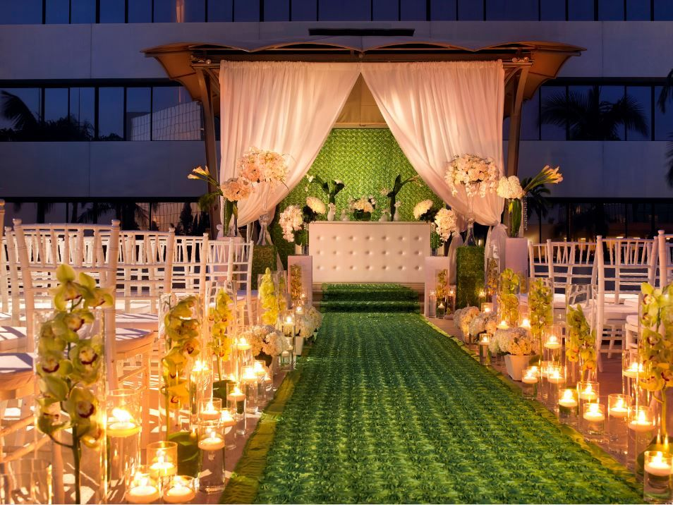 Very Green Wedding With White Details At The Westin South Coast Pla