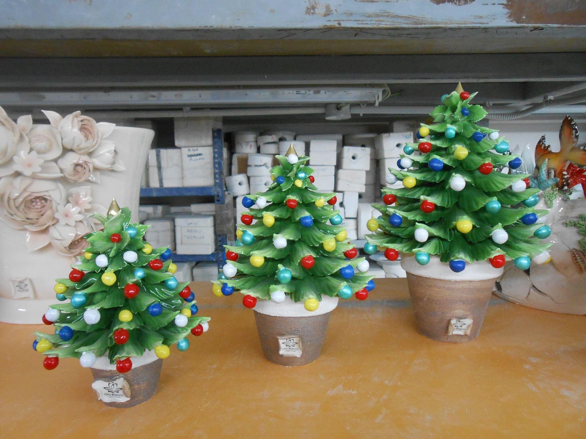 Acquisto Decorazioni Natalizie.Porcellane Artistiche Di Capodimonte Creazioni Per Il Natale Alberi Natalizi Arbol De Navidad Navidad Arboles