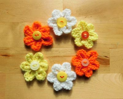 Mariannas Small Knitted Summer Flowers These Pretty Little Flowers