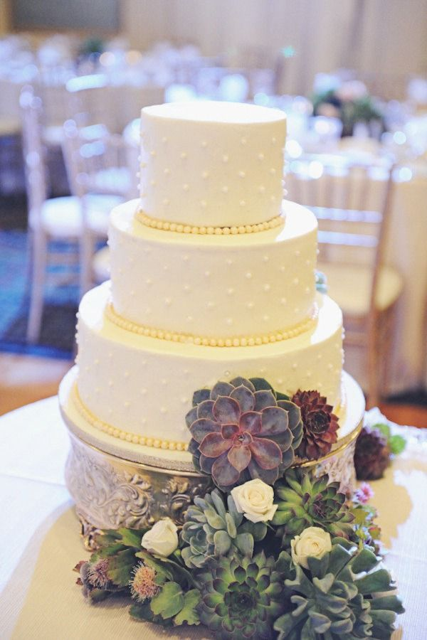Calgary Wedding by Sarah Vaughan Photography | Cake, Wedding and ...
