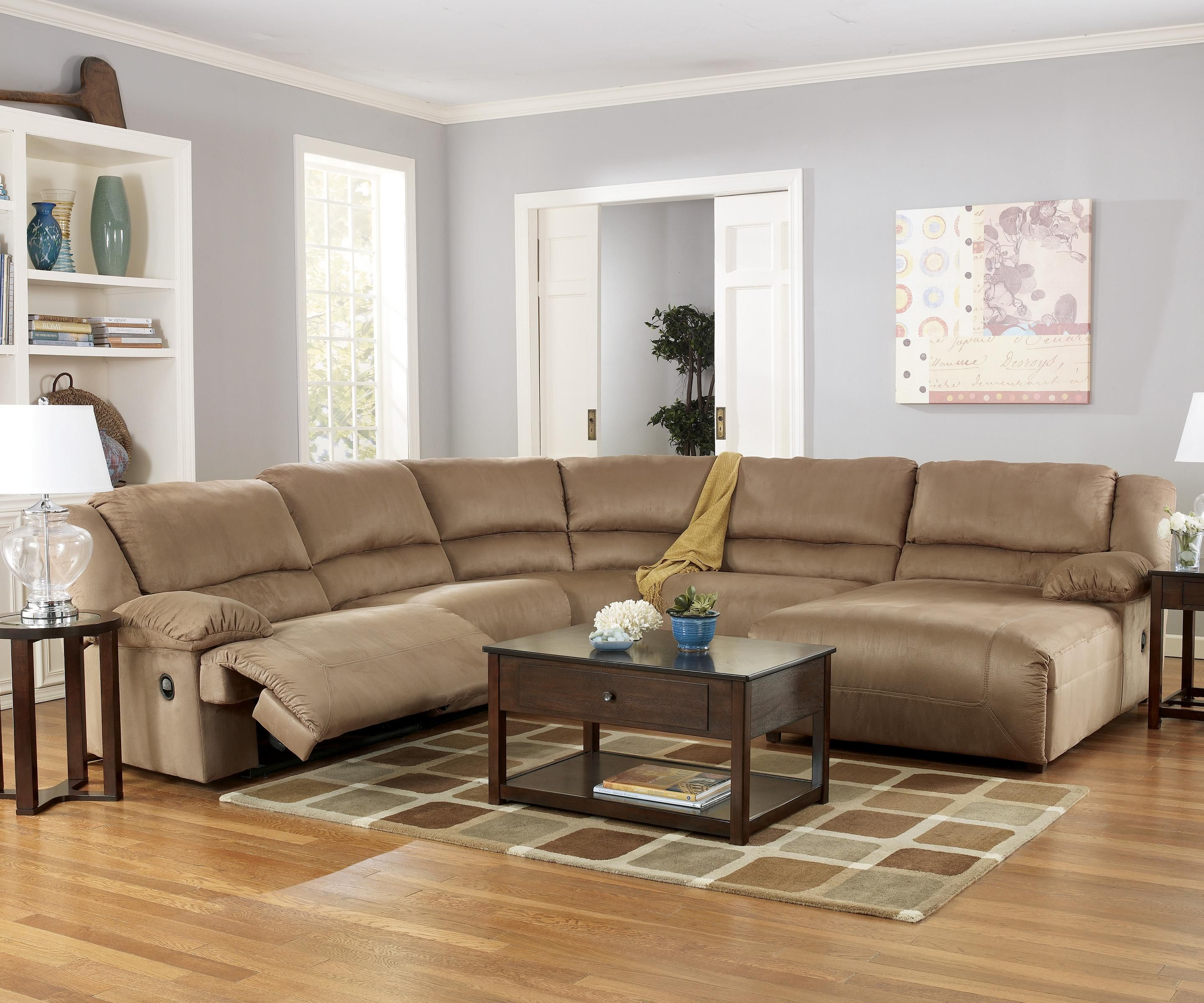 Hogan   Mocha 5 Piece Motion Sectional With Chaise By Signature Design By  Ashley Furniture
