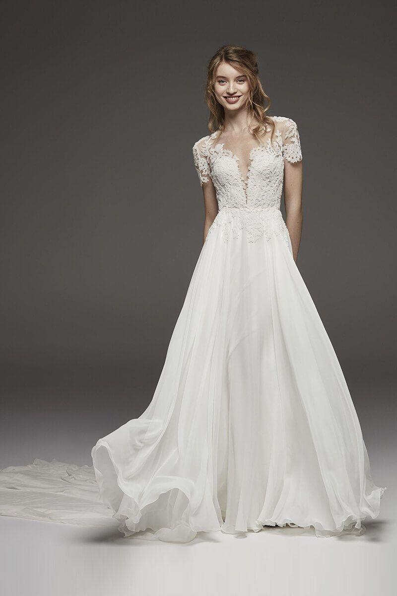 Bateau Neckline Quarter Length Sleeve Lace Wedding Dress