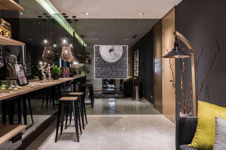 Дивная квартира от студии Nu Infinity расположилась в Kuala Lumpur, Малайзия. Квартира была разработана для фотографа, пристрастием которого являются путешествия.
