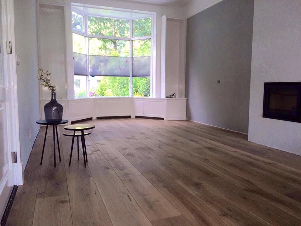 Rustiek Eiken Vloer : Europees gerookte eiken vloer. planken 22cm breed en rustieke
