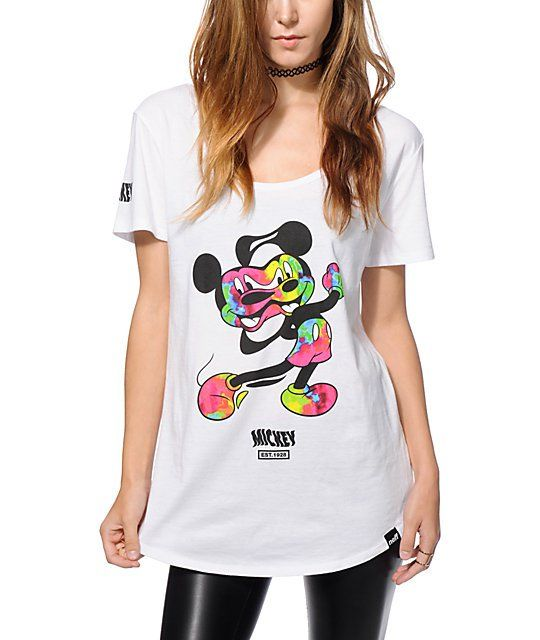 19a306eb1 ... to your look with the iconic style of this Disney x Neff exclusive tee  that boasts a colorful distorted Mickey Mouse graphic printed at the front.