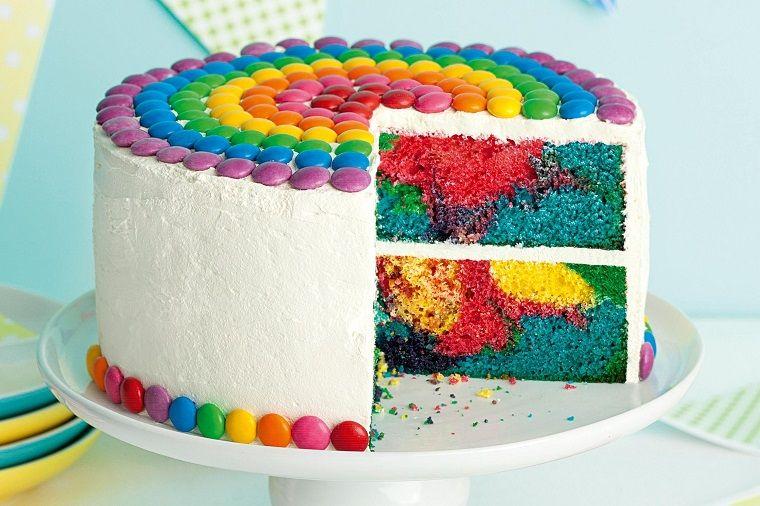 Decorazioni torte con smaties colorati torte di for Interni colorati casa