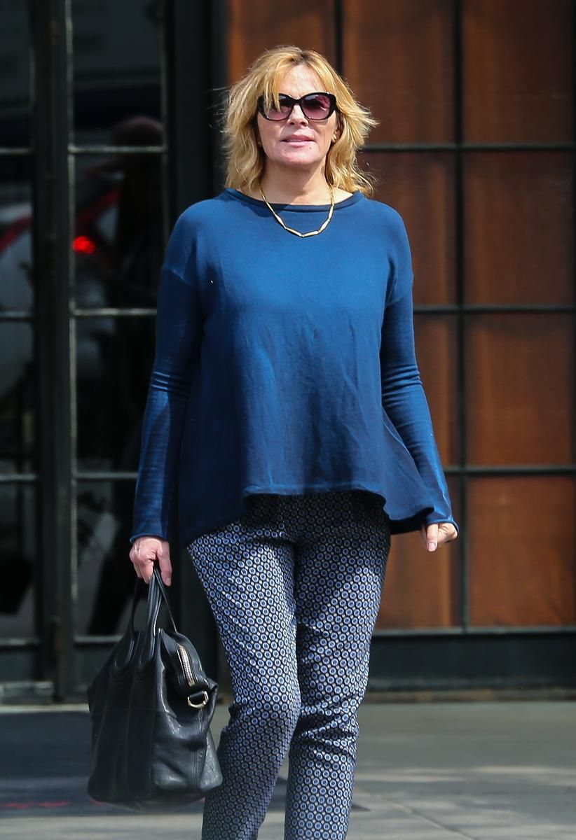 Kim Cattrall In A Blue Long Sleeve Shirt And Russell