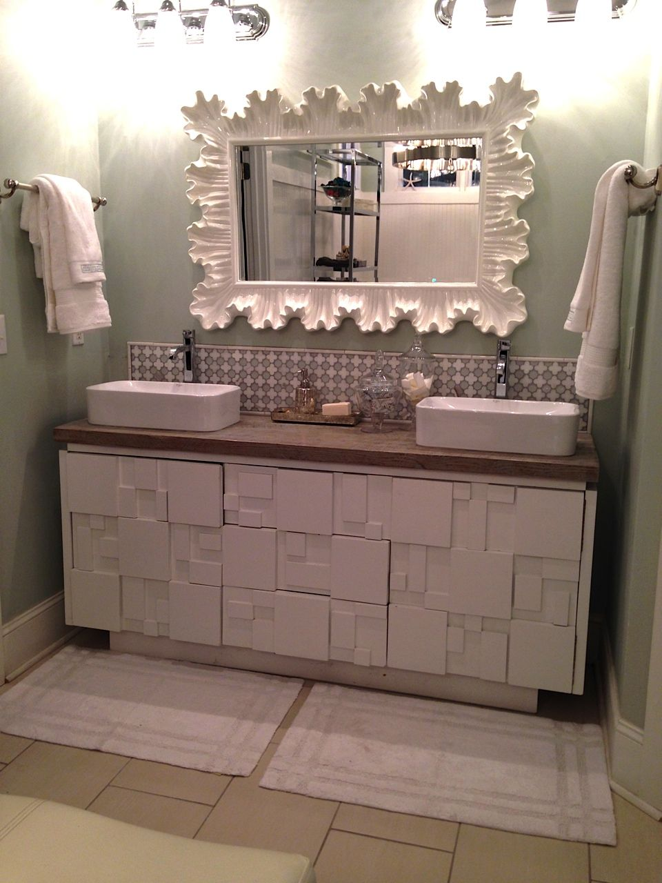 This HomeGoods Mirror Adds A Lot Of Drama To This Master The - Home goods bathroom mirrors for bathroom decor ideas