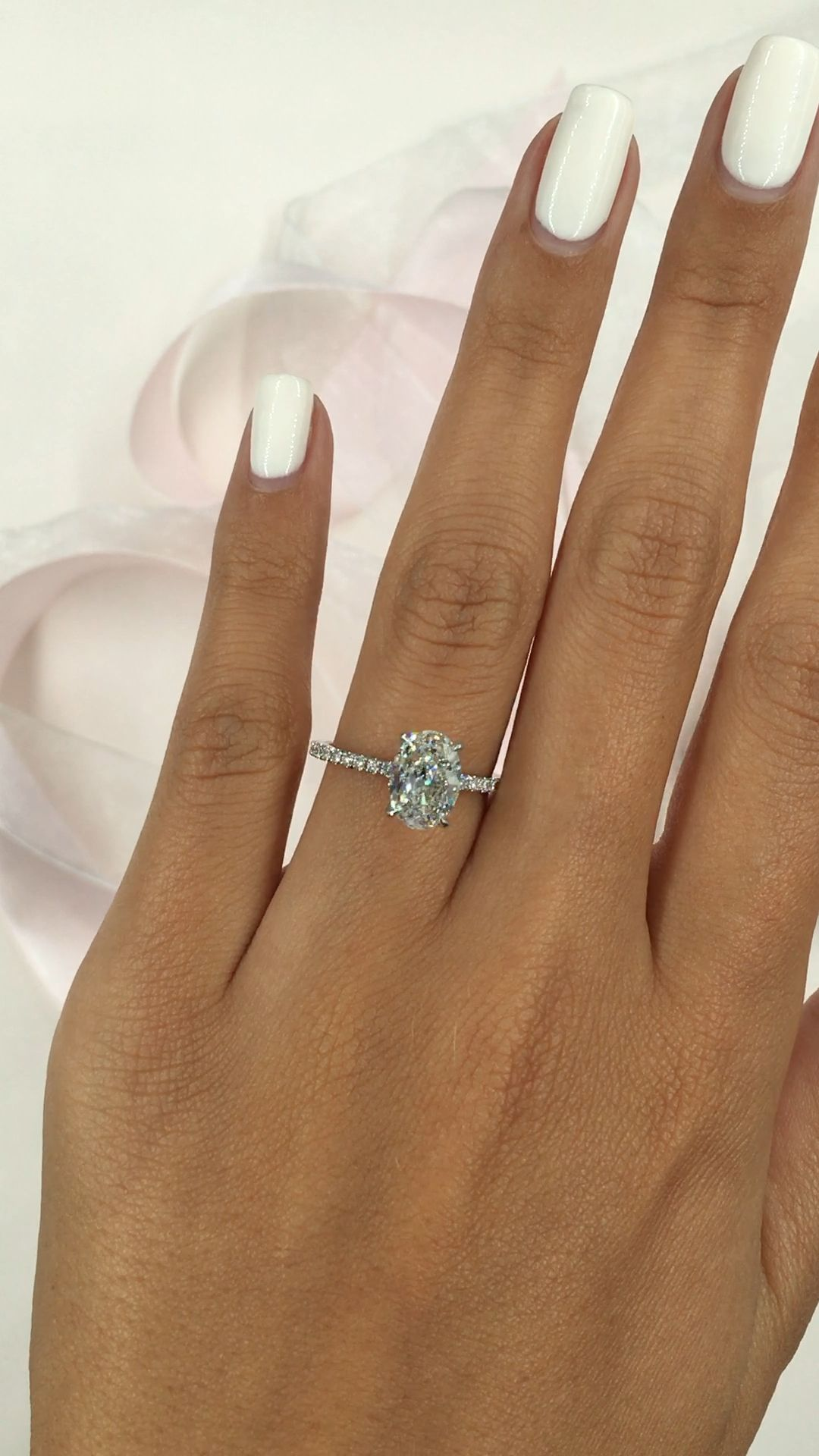 Photo of Stunning oval engagement ring