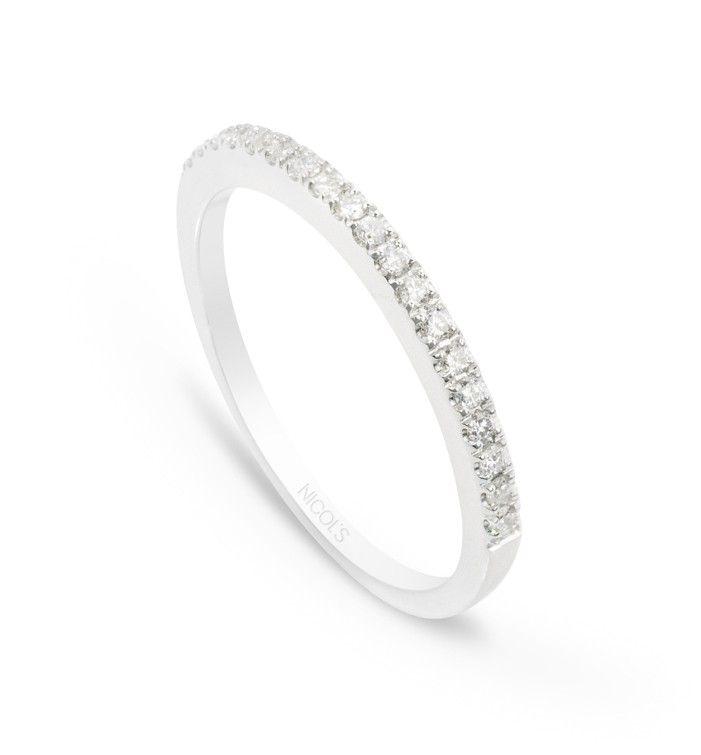 b5681cfd0702 Anillo Diamantes Diamond Classic. Media alianza en línea