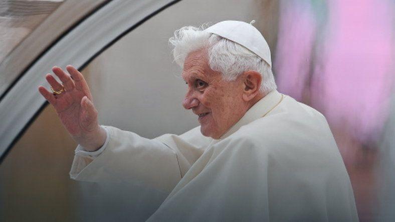 """Benedykt XVI kończy 88 lat. """"Przygotowuje się do śmierci"""" #religia"""