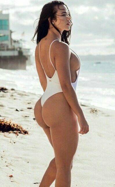 Big sexy ass in bikini