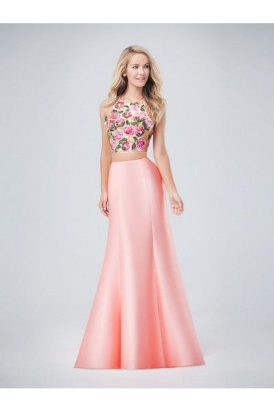 If eye catching is what you have been looking for in a prom dress ...