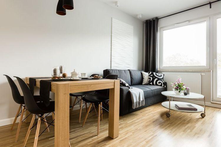 20 Qm Wohnbereich Mit Essplatz Fur 4 Personen Home Decor Furniture
