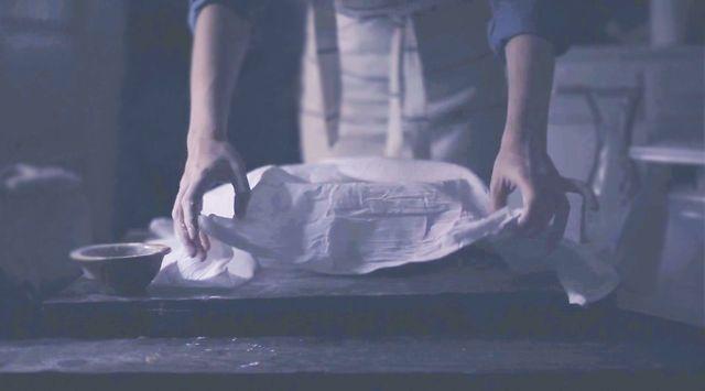 Dutch Oven Bread by Kinfolk. Film by Tiger in a Jar