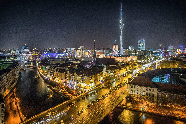 View Over The River Spree To Nikolaiviertel And Alexanderplatz Berlin Germany Photo Credit To Stefan Widua 6000 X 4000 In 2020 Berlin Travel Germany Berlin City