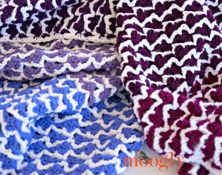 Ombre Flechas afgano - patrón de crochet GRATIS en Moogly!  Variedad de tamaños incluido!