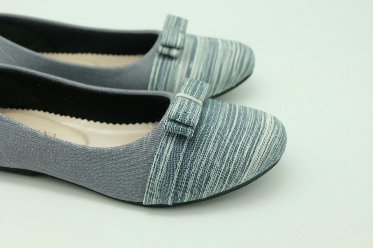 The Warna Shoes Lurik Abu Sepatu Batik Sepatu Motif Sepatu  # Muebles Gayatri