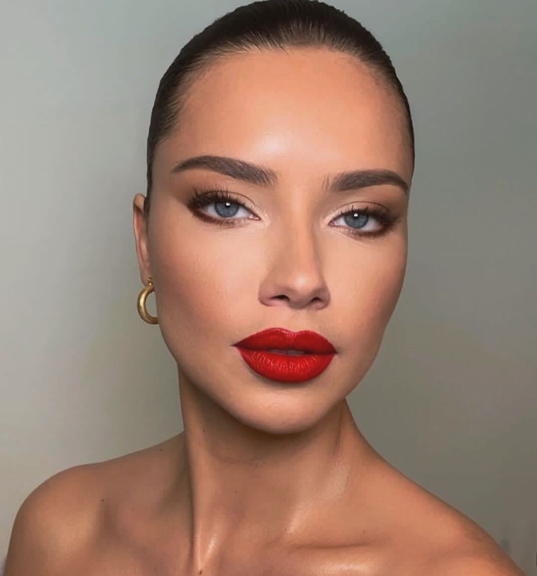 Trendalert On Instagram You Can Never Go Wrong With A Red Lip