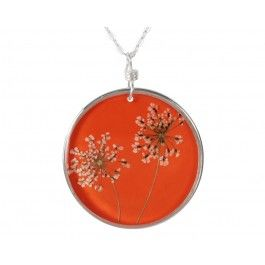 Gorgeous orange flower necklace.