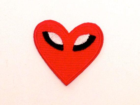 #Corazón caliente red  #patches #parche #clothing design por #YBatchi